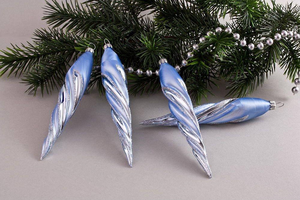 4 Eiszapfen ca. 13 x 2cm Eis-hellblau silberne Tanne