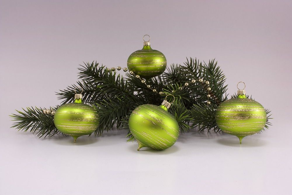 4 Zwiebeln  Apfelgrün matt gold geringelt