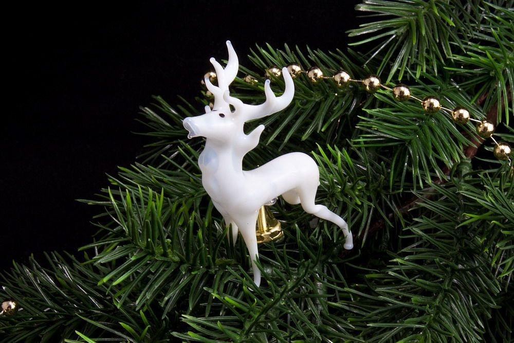 Weißer Hirsch mit Metallfuß zum anklemmen ca. 6 cm x 8 cm