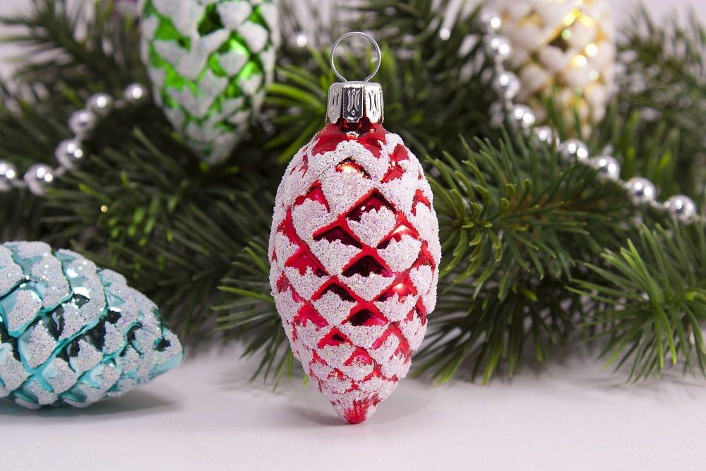 12 bunt sortierte kiefernzapfen aus glas 5cm for Nostalgische weihnachtskugeln