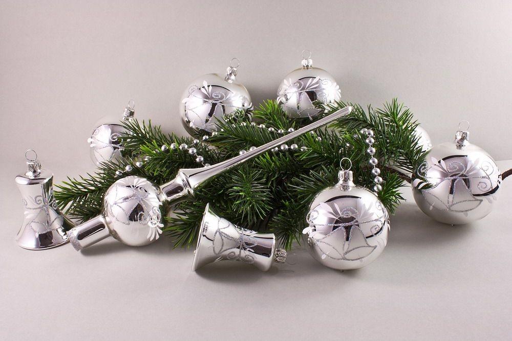 21-teiliges Silber Glanz mit Glöckchen und Iris-Glitter