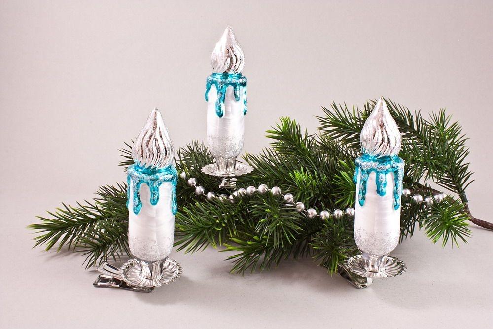 3 große Kerzen Eisweiß Türkis