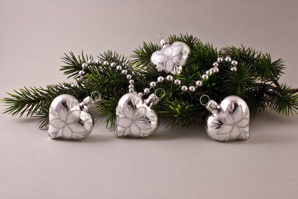 4 Herzen Silber Glanz mit Christrose