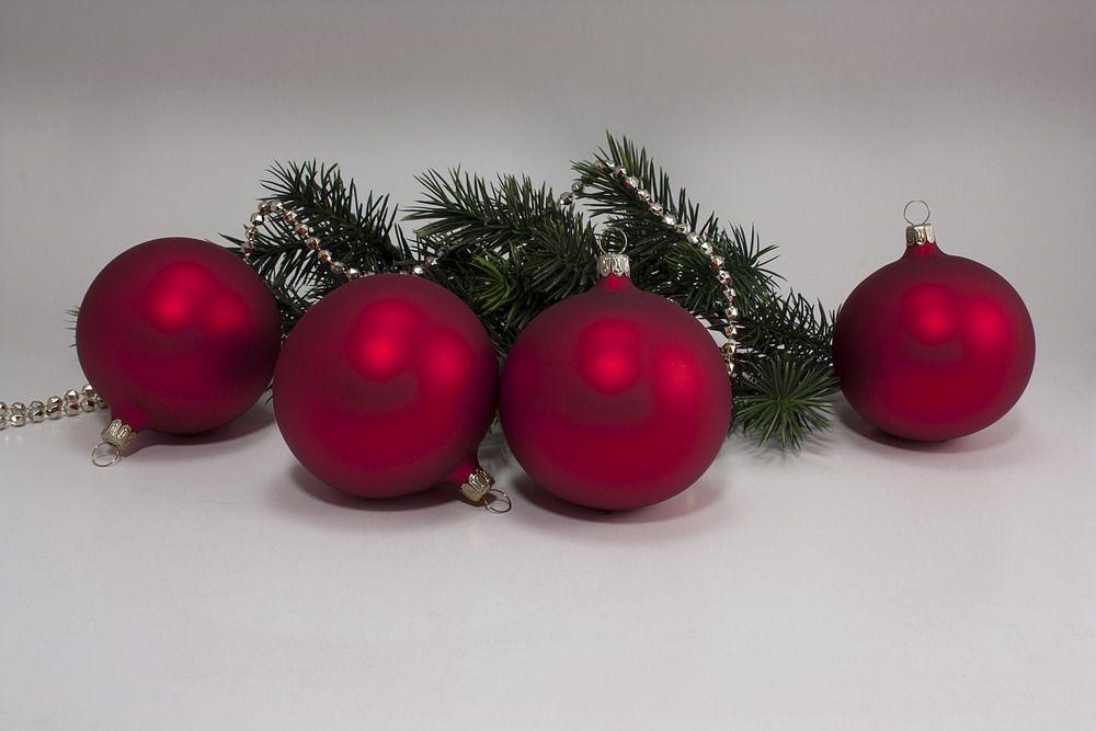 4 Weihnachtskugeln 8cm - Rot matt antik uni