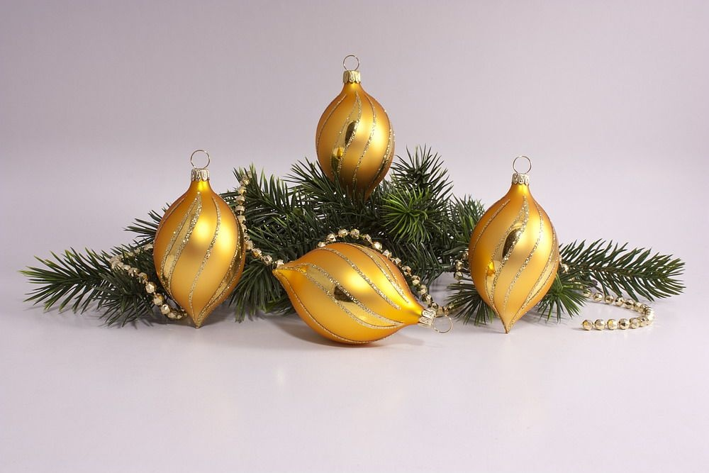 4 Zitronen Gold Matt Mit Geschwungenem Streifen Christbaumkugeln