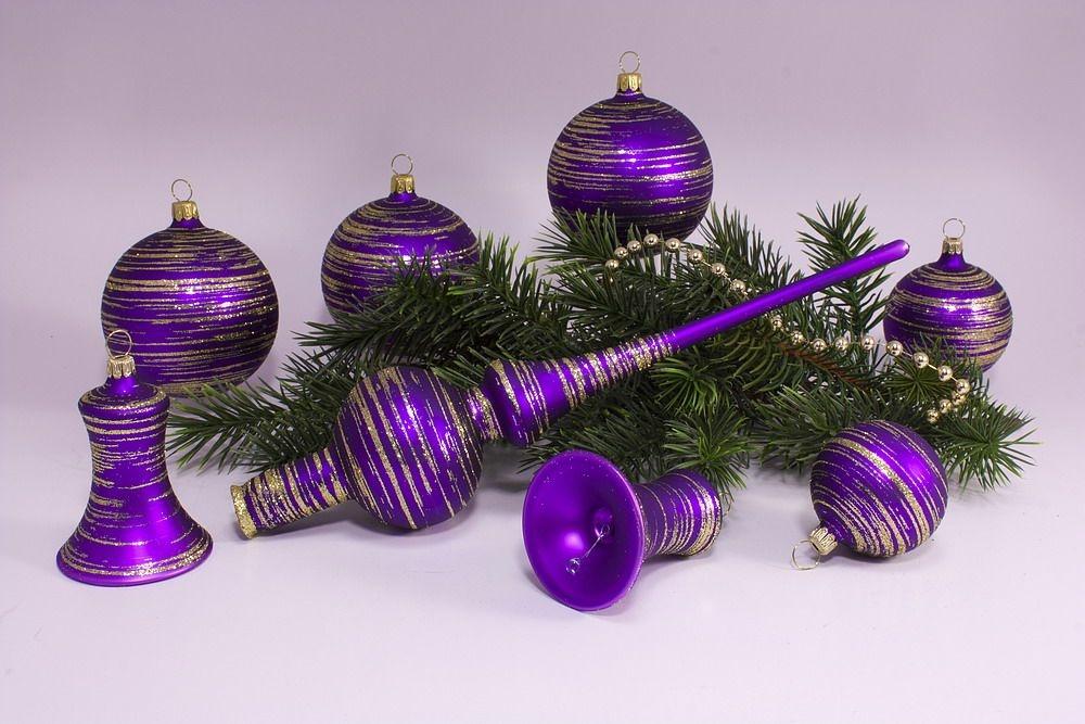 weihnachtskugeln violett my blog. Black Bedroom Furniture Sets. Home Design Ideas