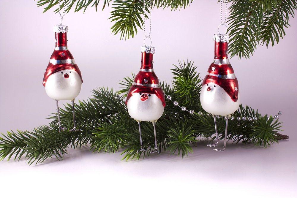 Weiße Christbaumkugeln Matt.Drei Lustige Vögel Aus Glas Weiss Matt Handbemalt Dekoration Für Den Weihnachtsbaum
