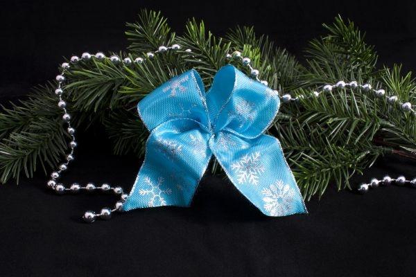 Dekoschleife hellblau mit silberner Schneeflocke
