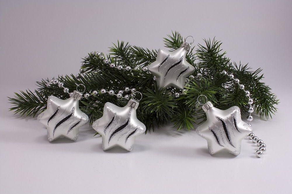 Schwarz Weiße Christbaumkugeln.Weihnachtskugeln Weiß Matt Schwarz Christbaumkugeln
