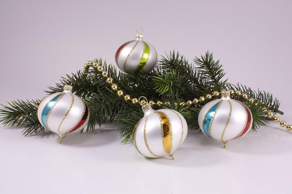 4 zwiebeln bunte weihnacht christbaumkugeln for Bunte lampenschirme aus glas