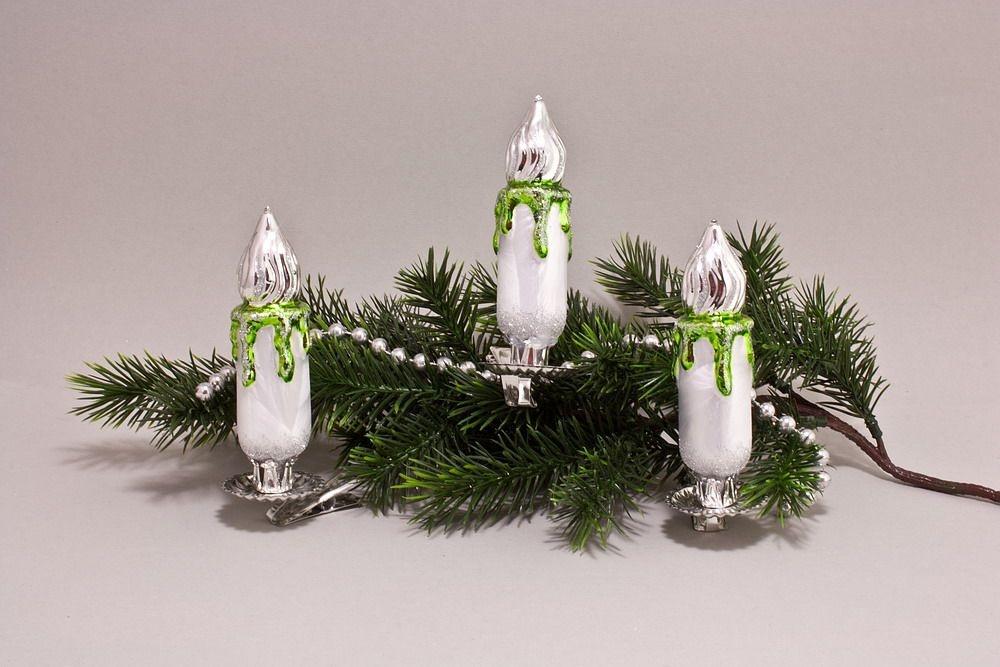 3 große Kerzen Eis-weiß mit grün