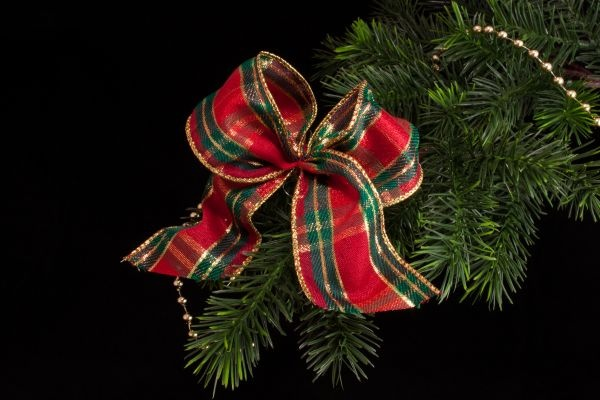 Weihnachtsschleife mit Schottenmuster rot grün