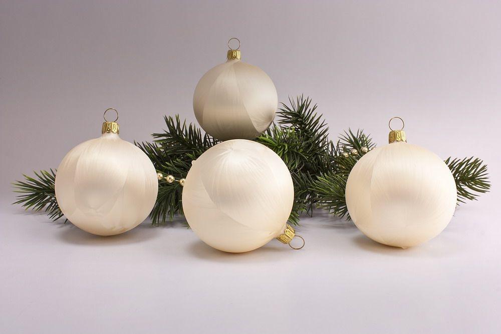 4 große Weihnachtskugeln 10cm Eis - Champagner uni