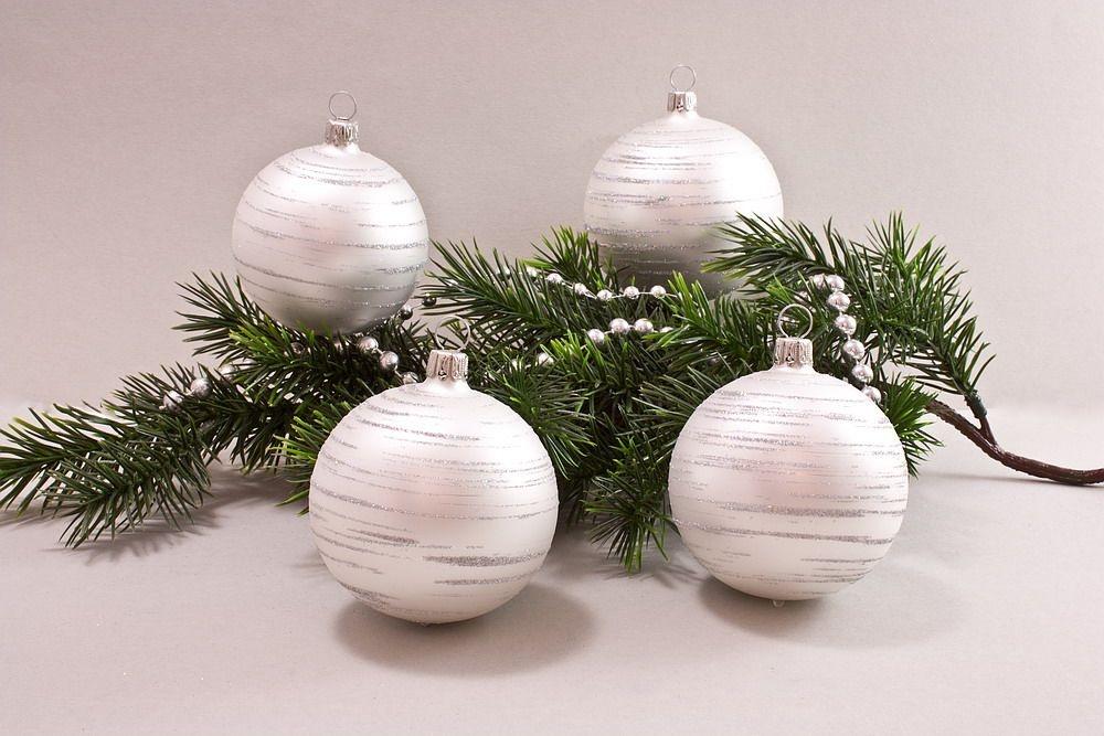4 große Weihnachtskugeln 10cm Weiß matt iris geringelt