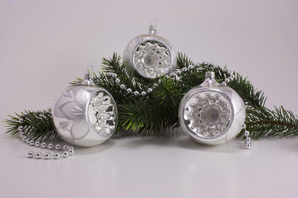 3 Reflexkugeln 8cm Silber Glanz Christrose