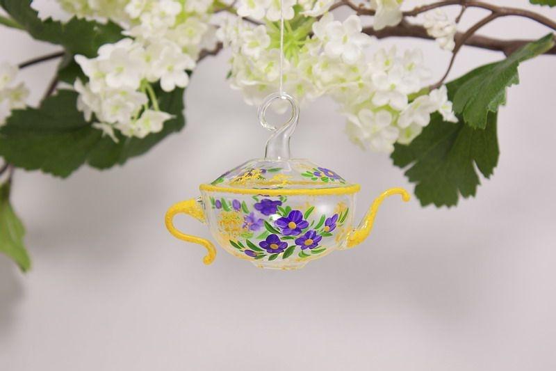 Teekännchen aus Glas
