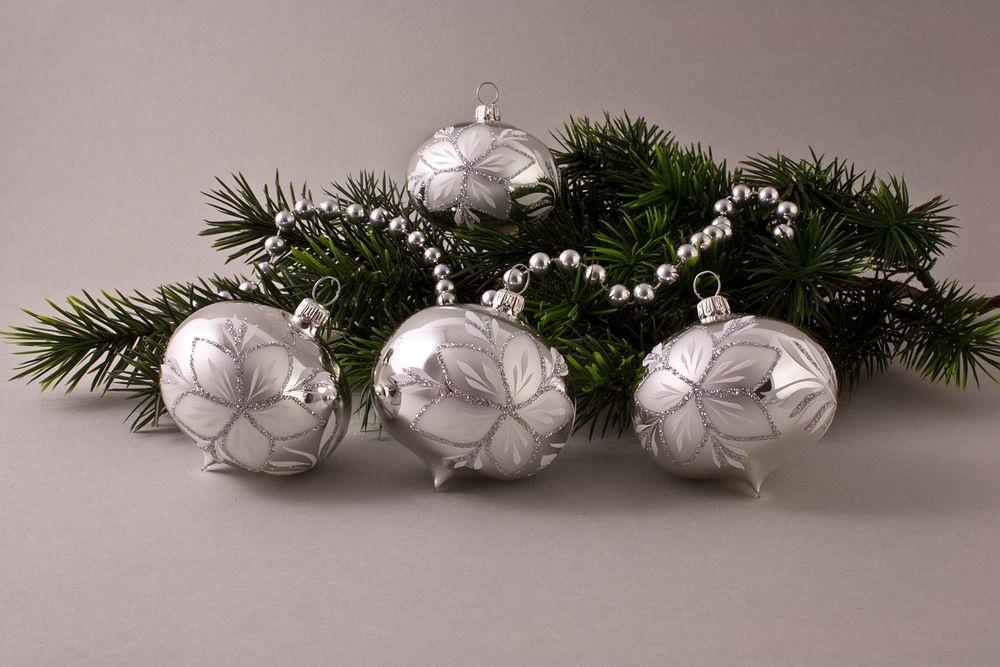 4 Zwiebeln Silber Glanz mit Christrose