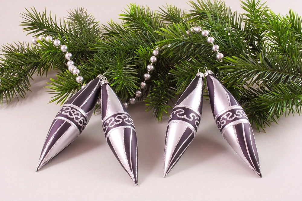 Schwarz silber christbaumschmuck christbaumkugeln for Weihnachtsbaumkugeln schwarz