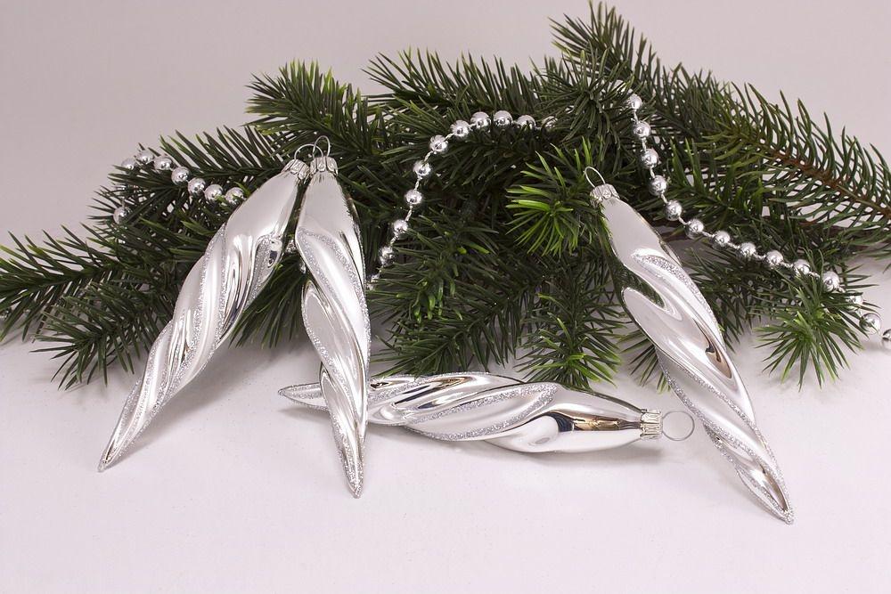 4 Eiszapfen ca. 13 x 2cm Silber Glanz mattes Band