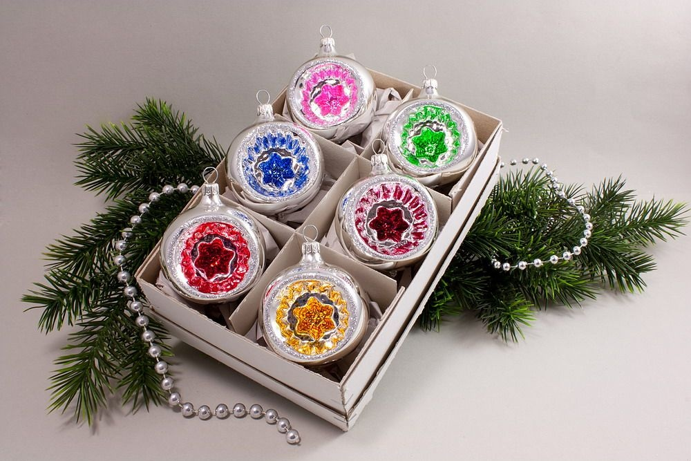 6 reflexkugeln 6 cm silber farbig christbaumkugeln christbaumschmuck und weihnachtskugeln aus. Black Bedroom Furniture Sets. Home Design Ideas