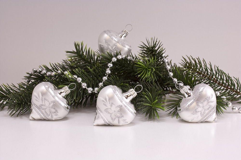 4 Herzen Silber Glanz mattes Band