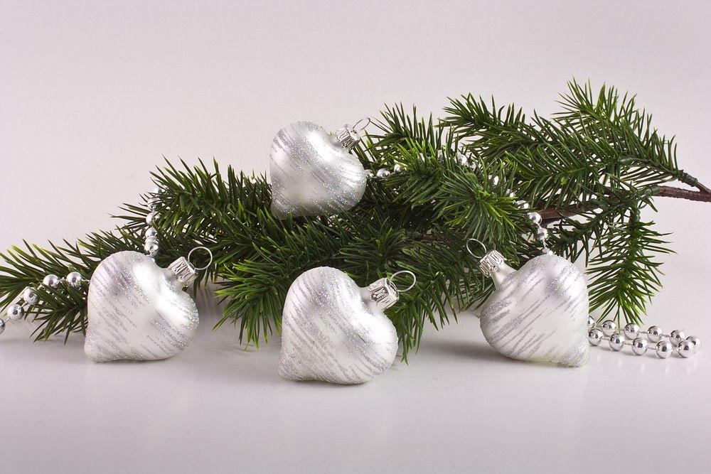 4 Herzen Weiß matt iris geringelt