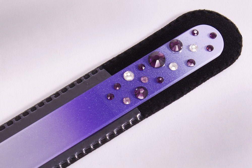 Glasnagelfeile mit Schmuckstein in violett/weiss
