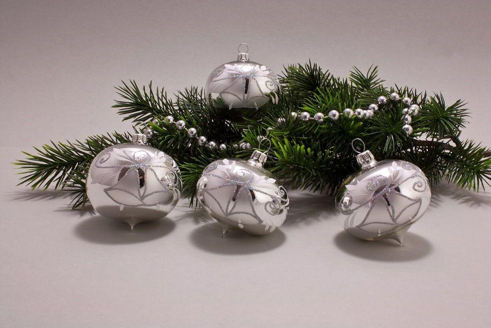 4 Zwiebeln Silber Glanz mit Glöckchen und Iris-Glitter