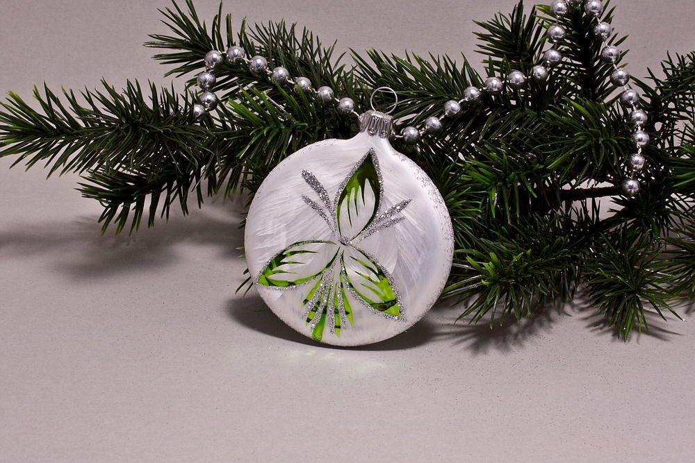 1 Taler ca. 7cm x 1,5cm Eis-weiß mit grün halbes Blatt