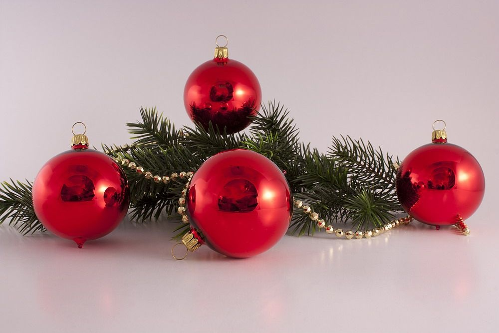 4 rote Weihnachtskugeln aus Glas 6cm Rot Glanz uni