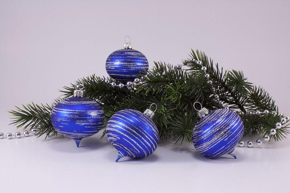 4 Zwiebeln blau matt silber geringelt