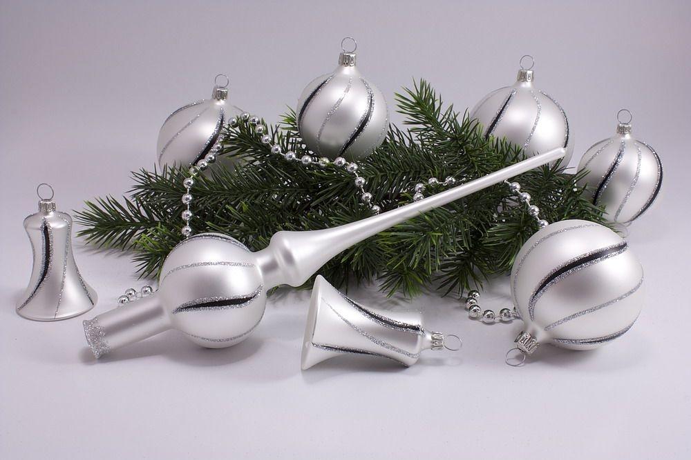 21tlg. Set weiße Weihnachtskugeln matt schwarz gst
