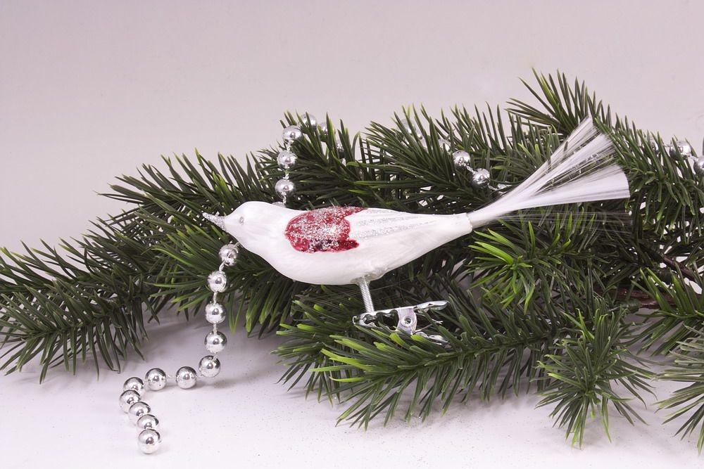 1 Vogel Eisweiss mit rot - silberner Glitter