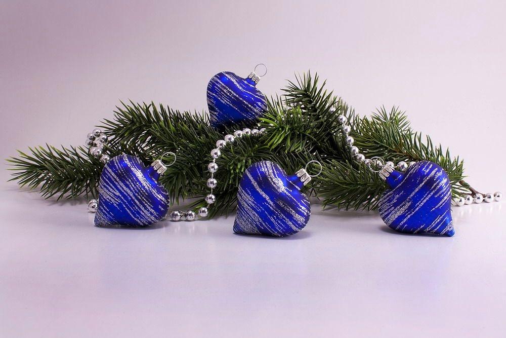 4 Herzen blau matt silber geringelt