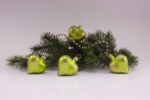4 Herzen Apfelgrün matt gold geringelt