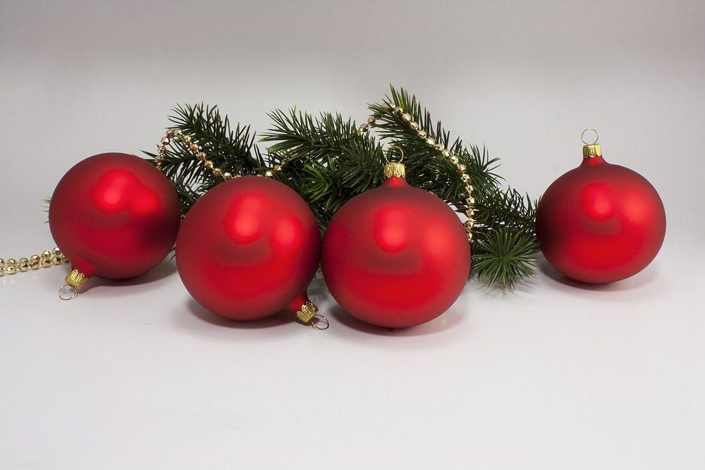 4 rote Weihnachtskugeln aus Glas 8cm Rot matt uni