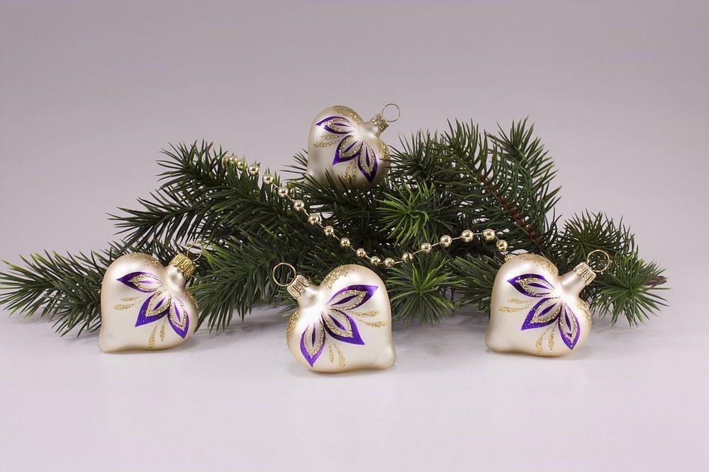 4 Herzen Champagner matt halbe Blume violett
