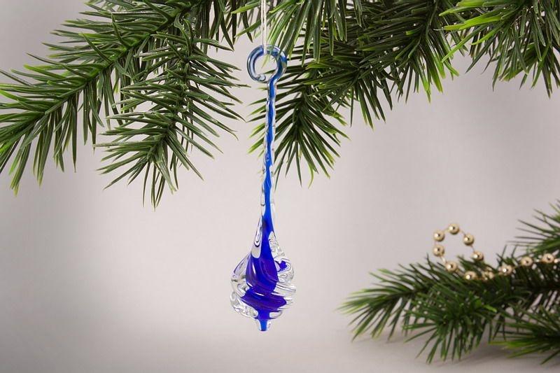 Glastropfen ca. 8 cm x 2 cm gedreht mit Farbkern blau