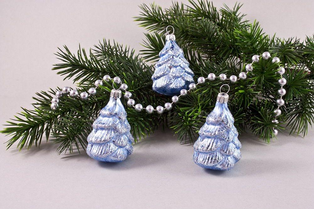 3 kleine Bäumchen 5cm Eis-hellblau
