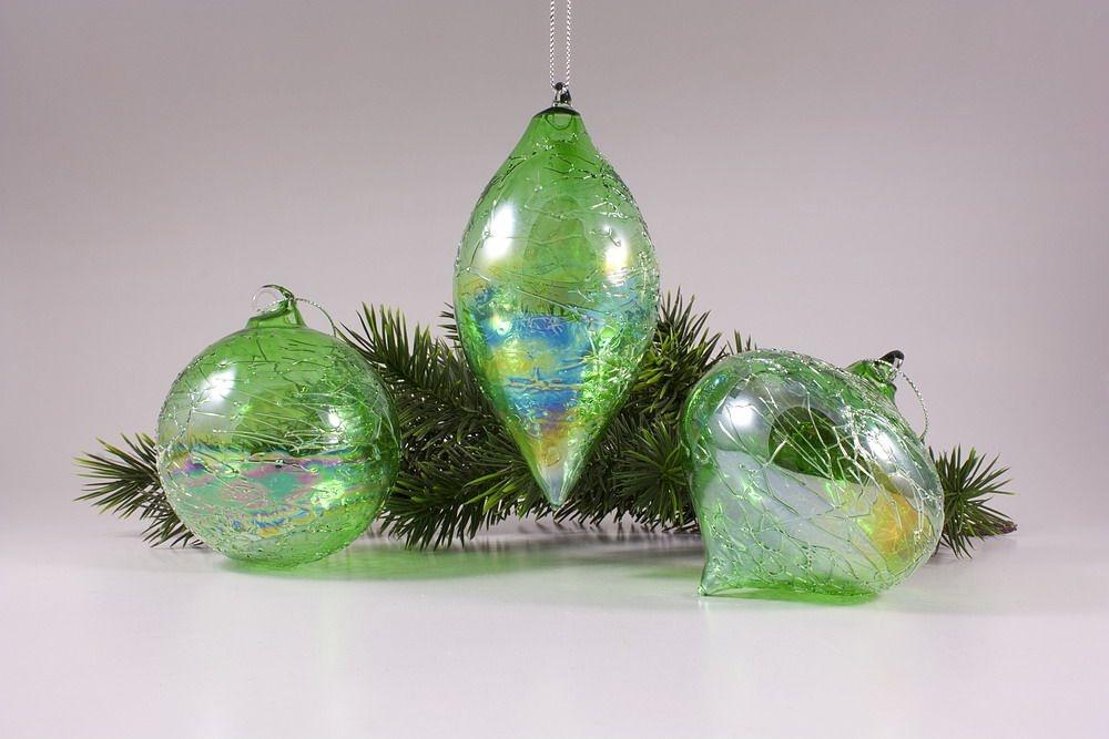 3 Glaskugeln im Set mit Seifenblasen-Optik in grün