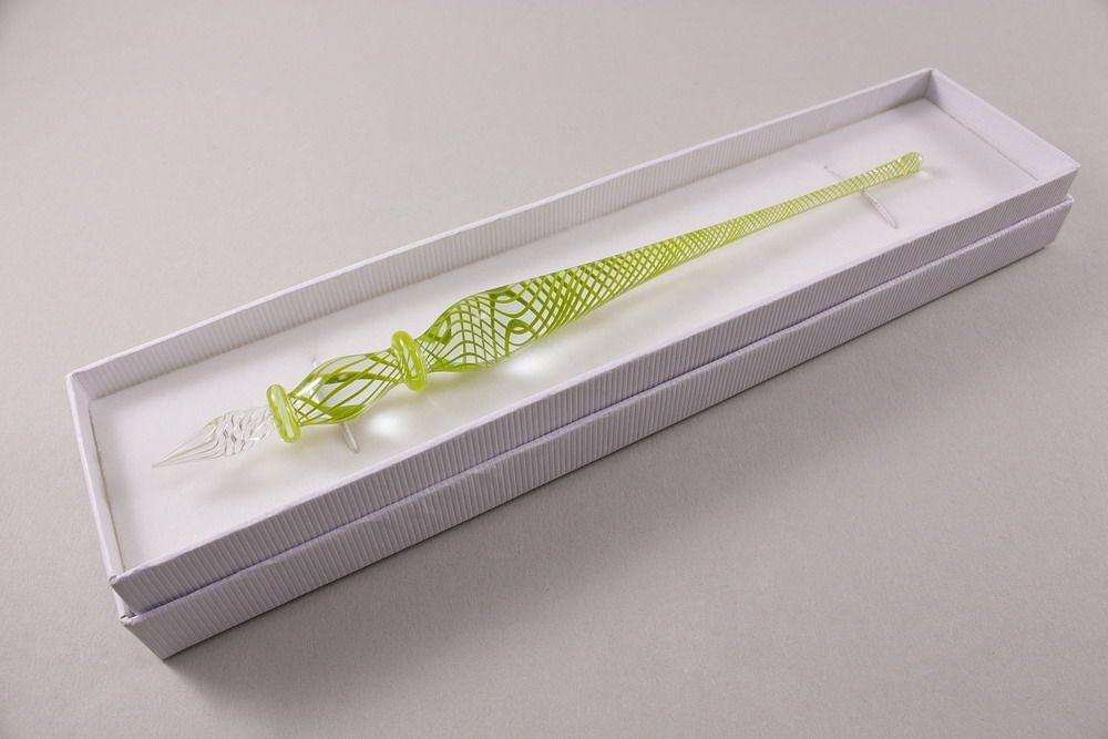 Glasschreiber Glasfederhalter grüner Faden klar