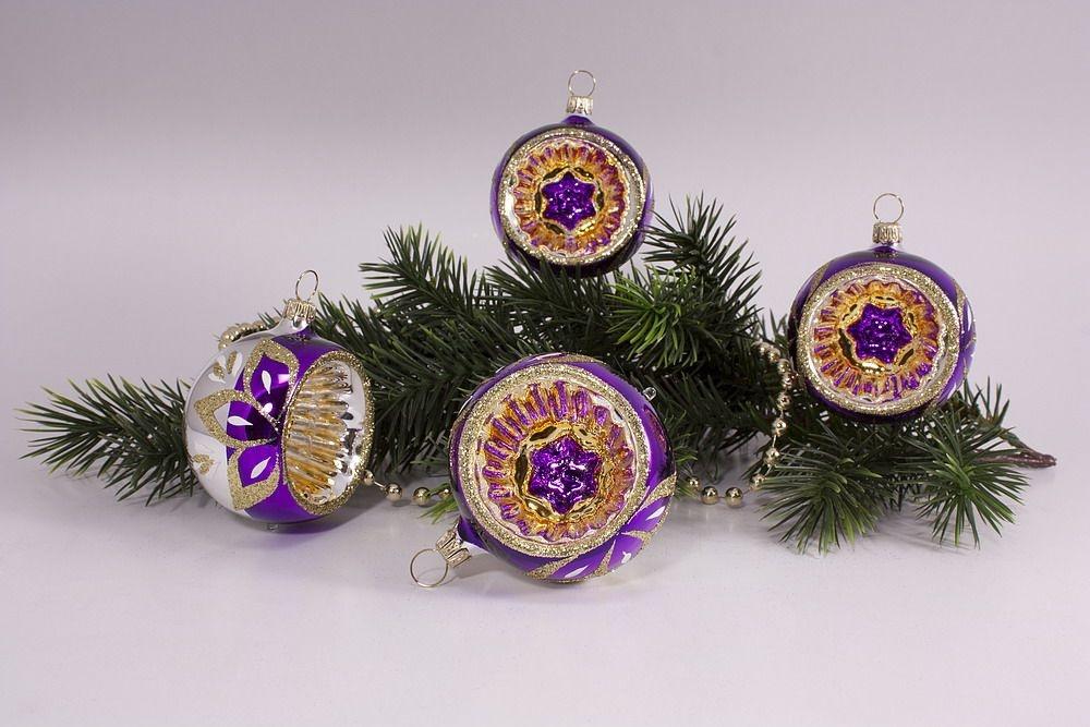 4 Reflexkugeln 6 cm im Set violett gold