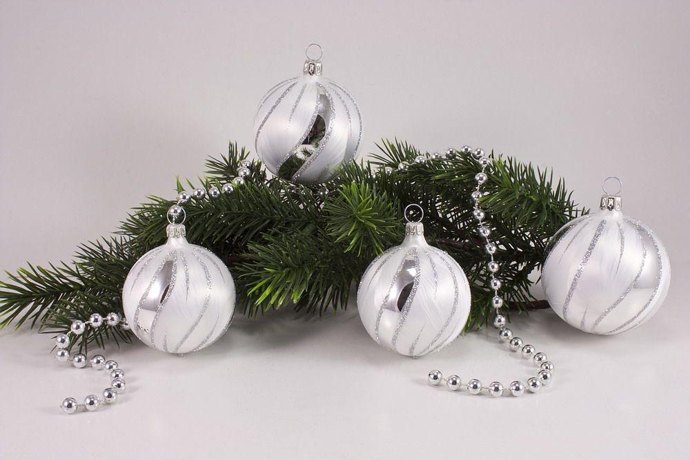 4 große Weihnachtskugeln 10cm Eisweiß silber gst