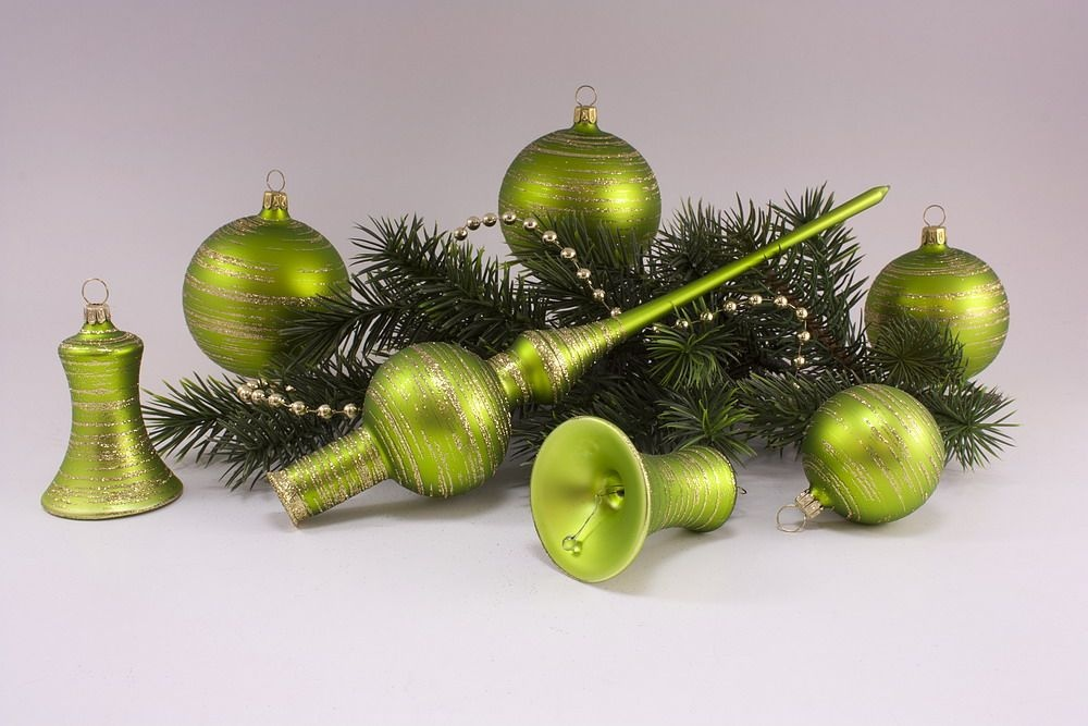 21teiliges Set  Apfelgrün matt gold geringelt