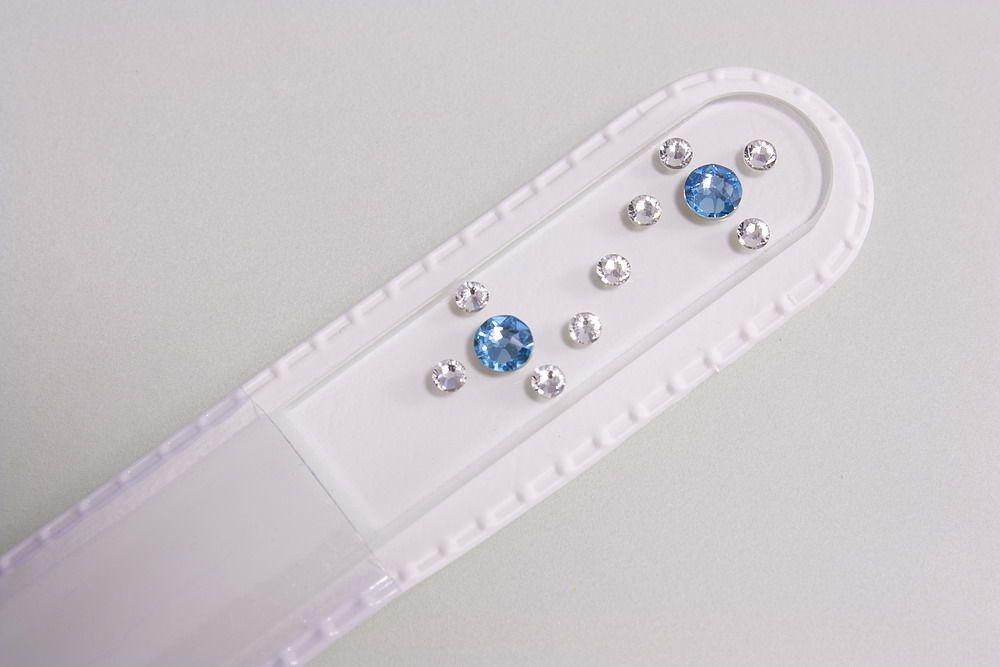 Glasnagelfeile mit echtem Swarovski in weiss-hellblau
