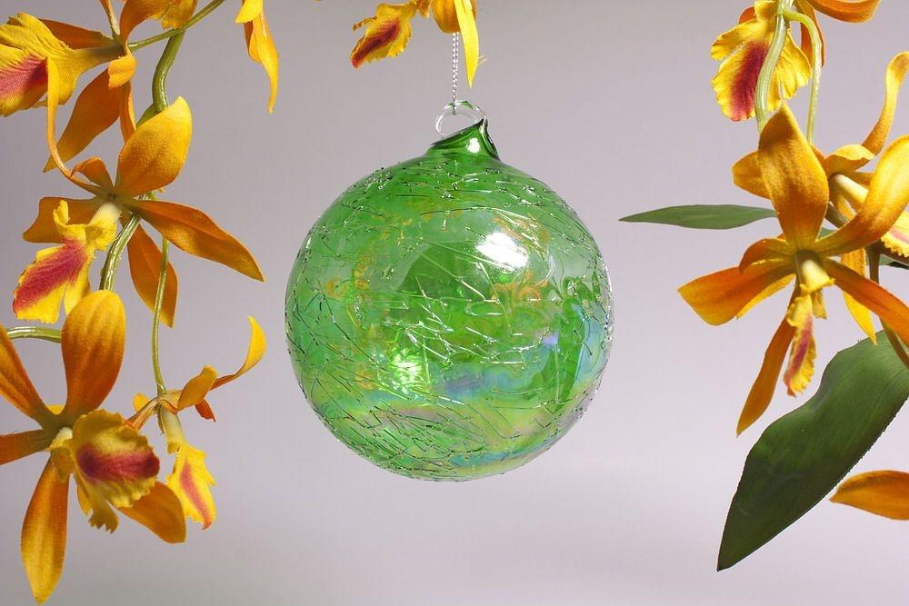 Glaskugel 10cm in Seifenblasenoptik klar grün