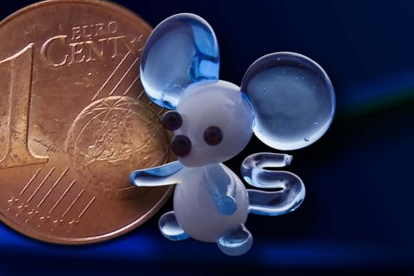 Glasfigur Glasmaus Mini-Maus aus Glas hellblau