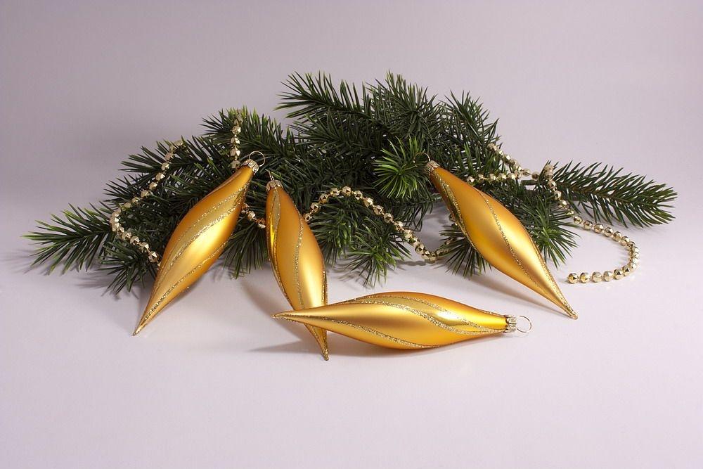 4 Oliven gold matt mit geschwungenem Streifen