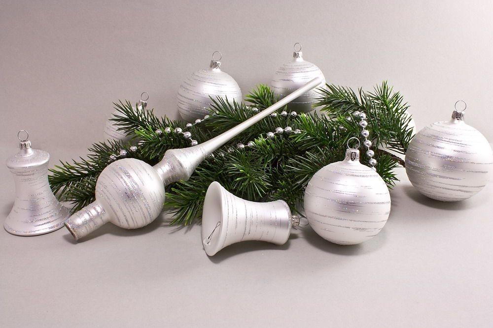 Weihnachtskugeln Weiß.21 Teiliges Set Weiß Matt Iris Geringelt Lauschaer Weihnachtskugeln Aus Glas
