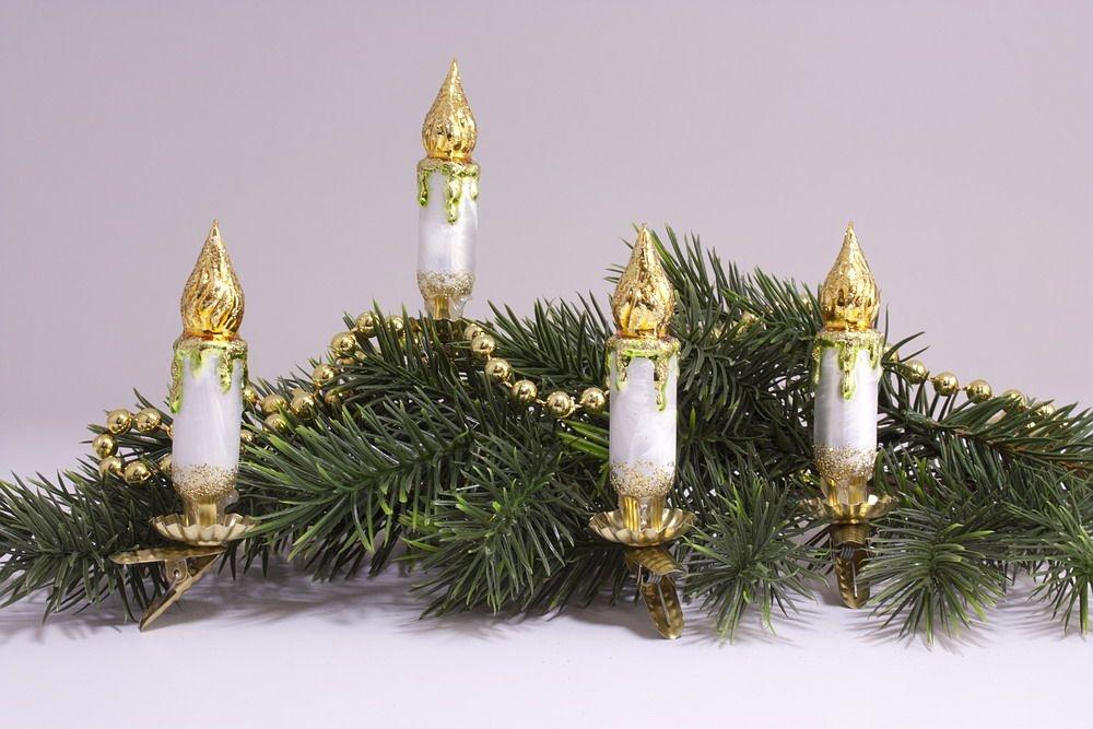 4 kleine Kerzen Eisweiss mit gold & grün